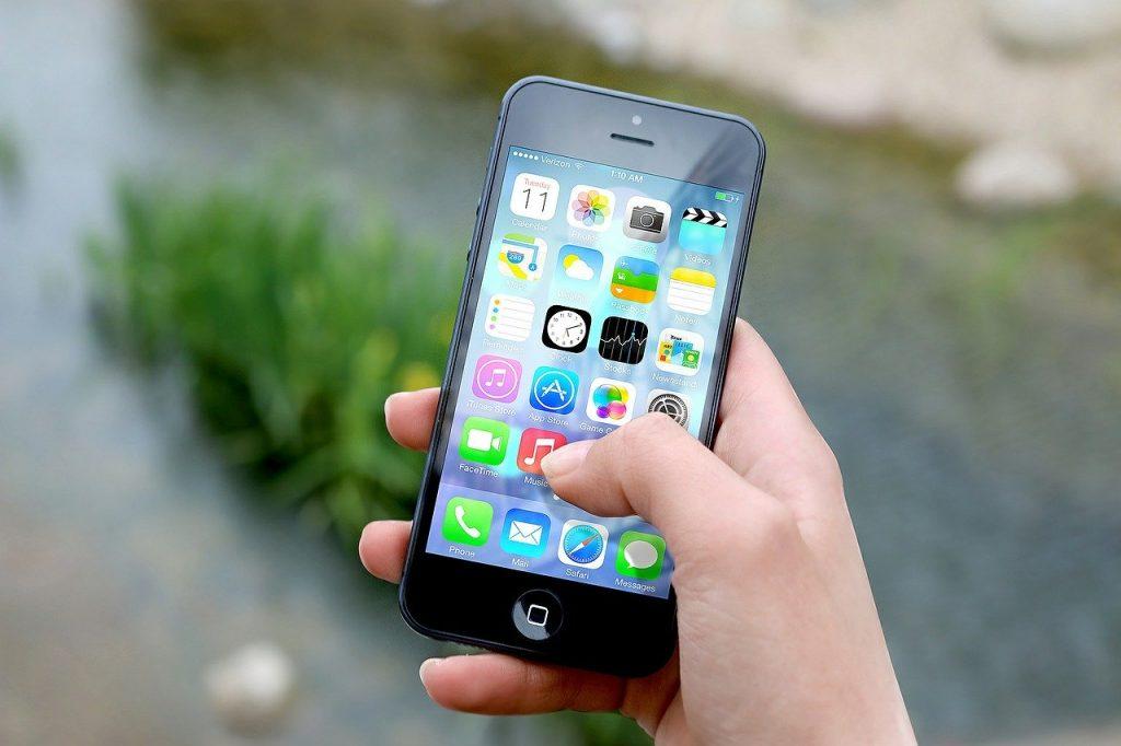 Niezniszczalny smartfon? Jaki jest najlepszy wybór telefonu dla ekstremalnie aktywnych?