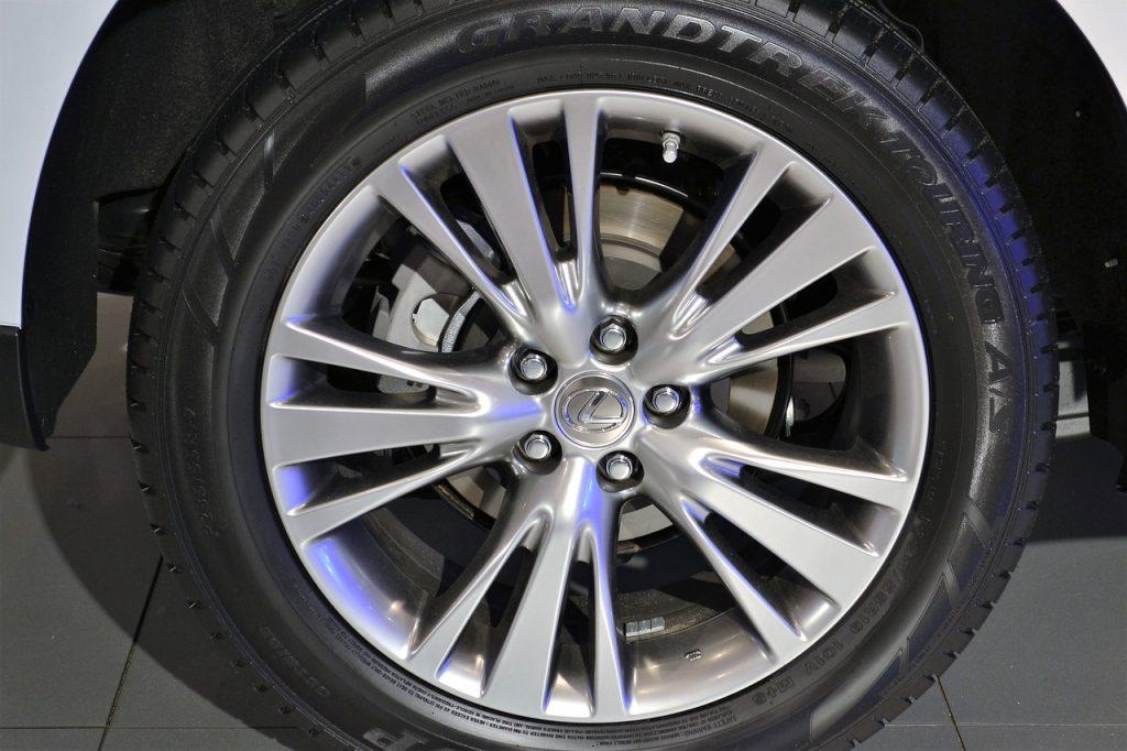 Lexus szykuje nowy model? Coraz więcej informacji o flagowym SUV-ie