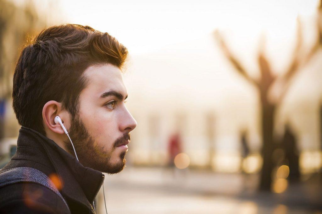 Pielęgnacja brody – jak zacząć, by szybko nie porzucić marzeń o nowym wyglądzie?
